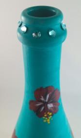 PlaidSwarovski_Florals_AfloatInTheLagoon_winebottle_topview_Sep2015
